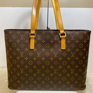 Beautiful Louis Vuitton Luco Tote shoulder bag